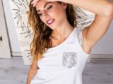 T-shirt con taschino e strass Fraly